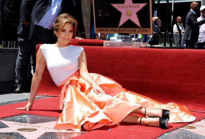 Jennifer+Lopez+Jennifer+Lopez+Gets+Star+Walk+3cAJBdGAlJSx