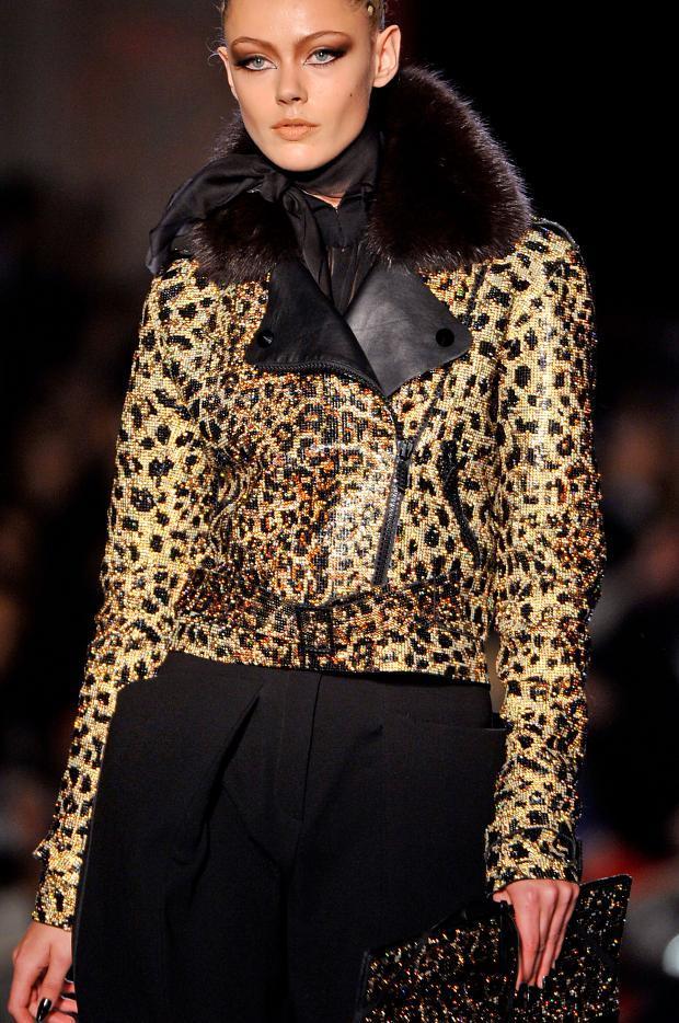 jean-paul-gaultier-details-haute-couture-autumn-2013----pfw1