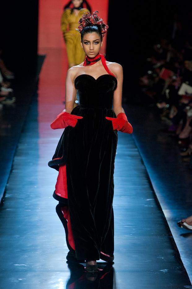 jean-paul-gaultier-haute-couture-autumn-2013----pfw29