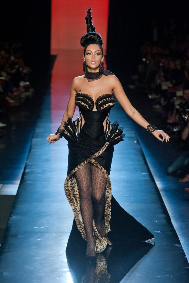 jean-paul-gaultier-haute-couture-autumn-2013----pfw43