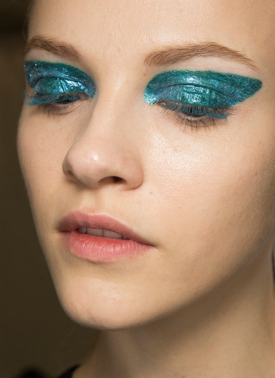 glittery-blue-eye-makeup-dior-aw-2014-backstage